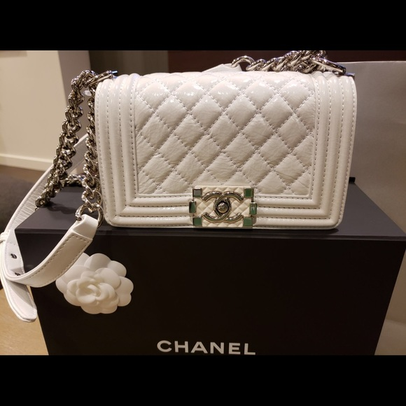White Patent leather Small Chanel Boy 37523a6d8f912